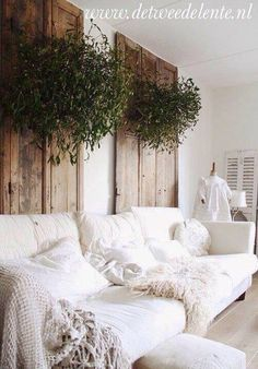 Love the wood with the white also.