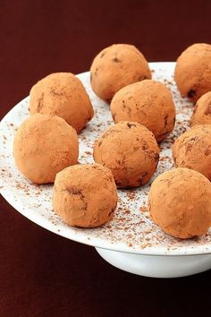 Bailey's Chocolate Truffles | gimmesomeoven.com