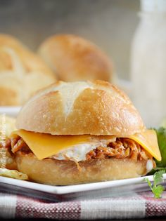 Honey Chipotle BBQ Chicken Sliders with cheddar cheese and ranch dressing are made in the slow cooker for an easy dinner or game day snack! Easy Sandwich Recipes, Slider Recipes, Easy Dinner Recipes, Easy Meals, Sandwich Ideas, Easy Chicken Parmesan, Chicken Bacon Ranch, Bbq Chicken, Spicy Chicken Sandwiches