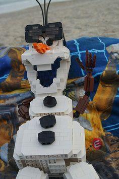 Olaf in Legos Lego Disney, Disney Toys, Disney Movies, Legos, Olaf Frozen, Lego Frozen, Lego Sculptures, Lego Pictures, Lego Man