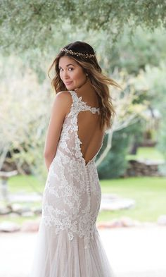 Take a risk with an illusion bodice adorned with Venice lace. The fit and flare body is accented with English net and tulle. A keyhole back frames the back of the gown. Simple and soft tulle skirt. Sweetheart Wedding Dress, Wedding Dresses, Trumpet Gown, Fairytale Weddings, Blush Bridal, Bride Look, Spring Summer 2018, Fit And Flare, Wedding Day