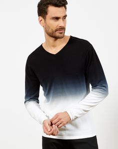 "IZAC - PULL COL V ""DIP DYE""  #izac #men #menwear #menstyle #fashion #readytowear #summer17 #look #lookbook  #fashiongram #fashionpost #style #menstyle #outfit #new  #pull #casual"