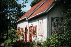 Bas Saint Laurent, Parc National, Garage Doors, Canada, Cabin, House Styles, Outdoor Decor, America, Lighthouse Keeper