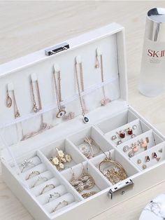 Travel Necklace Ring Storage Organizer Jewelry box with key Key Jewelry, Jewelry Holder, Jewelery, Jewelry Closet, Jewelry Scale, Leather Jewelry, Luxury Jewelry, Jewelry Crafts, Jewellery Storage