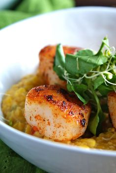 Blackened Scallops with Sweet Corn Jalepeno Grits
