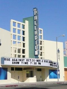 Hollywood Palladium - 6215 Sunset Boulevard #Hollywood #HollywoodPalladium #SunsetBoulevard #SunsetBlvd #Thingstosee #Thinkstodo #Cinema #Show #LiveShow #DHmagazine