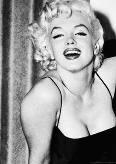 Marilyn at a Stop Arthritis charity event, 1955.