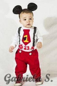 disfraz bebé: remera/body+pantalón+vincha mickey.                                                                                                                                                                                 Más