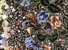 Batik Yogyakarta merupakan salah satu jenis batik yang digemari banyak orang. Bahkan jika Anda berkunjung ke kota Yogyakarta, pasti Anda akan melihat banyak orang yang menggunakan batik Yogyakarta.