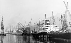 Cape Town Docks Scene (Mid 1940s) | by HiltonT Old Photos, Vintage Photos, Cities In Africa, Most Beautiful Cities, Historical Pictures, Utrecht, Cape Town, 1940s, South Africa