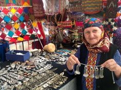 Shopping for Souvenirs on the Silk Road