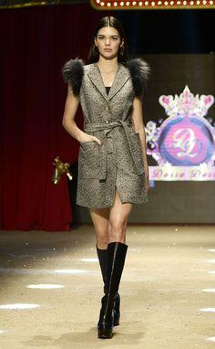 Kendall Jenner, Antalya'da Düzenlenen 20. Dosso Dossi Fashion Show'da Podyuma Çıktı! (1)