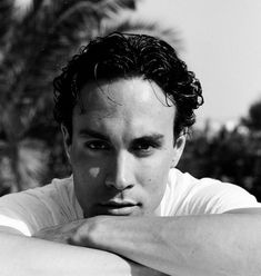 This is such a great photo of Brandon from a photo shoot he did for The Face magazine. Brandon Lee, Bruce Lee, Lee Movie, The Face Magazine, Ways To Be Happier, Edgar Allan Poe, Stuff And Thangs, Celebs, Celebrities