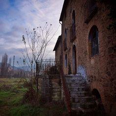 Abandoned Story by David Juárez Ollé