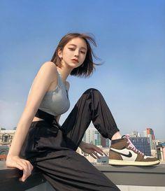 여성 패션 average number of shoes a woman owns consumer reports - Woman Shoes Cute Japanese Girl, Cute Korean Girl, Cute Asian Girls, Beautiful Asian Girls, Cute Girls, Female Pose Reference, Poses References, Korean Girl Fashion, Curvy Fashion
