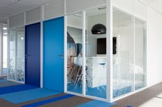 Mobilitis designed the new offices of the company Primavista, a leader in child's pictures located in Paris. Primavista came to us to gather all its