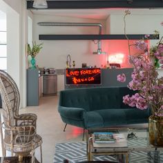 This cool converted warehouse oozes Hollywood style