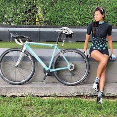 It Takes More Than Cost In Selecting A Triathlon Bike - The Benefits of Bike Riding Female Cyclist, Cycling Girls, Road Cycling, Cycling Motivation, Road Bike Women, Bike Wear, Bicycle Maintenance, Bike Run, Fixed Bike