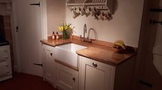Bluci Vecchio Belfast sink and Bluci Olivento Kitchen tap. An amazing photo sent in by one of our customers! Real Kitchen, Kitchen Sets, Designer Kitchen Taps, Ceramic Kitchen Sinks, Belfast Sink, Sink Taps, Waste Disposal, Traditional Design, Cool Photos