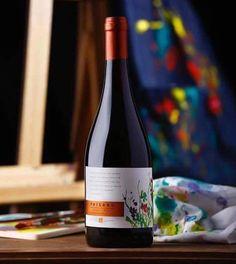 Paisano, vino 100% uva país Del Valle del Maule, Chile. Parras del 1890, Un vino que habla de nuestra historia y cultura del vino. Si quieres probar chile, toma país #paisanopais mi primer vino junto a la viña Rios&Meza, nuestra segunda etiqueta.