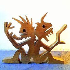 hauteur : 12 cm largeur : 16 cm épaisseur : 2 cm bois utilisé : chêne dessiné avec un crayon de bois sur du papier découpé à la scie à chantourner poncé avec les mai - 18545395