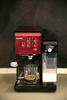 PRAJITURA CU NUCA SI CREMA DE CAFEA | Diva in bucatarie Drip Coffee Maker, Espresso Machine, Deserts, Cooking Recipes, Sweets, Rome, Espresso Coffee Machine, Coffee Making Machine, Chef Recipes