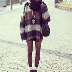 Edgy outfit big sweater doe