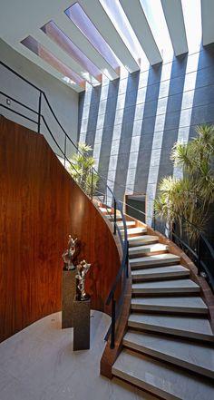 Diseño de escaleras modernas ovaladas Escaleras modernas