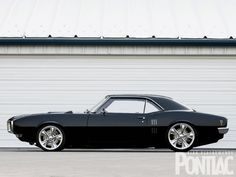1968 Pontiac Firebird - This is a clasic muscle car, and look at the wheels, how to not like this...