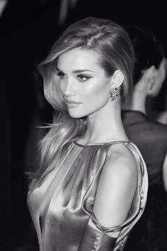 I'm starting to understand the perfection, it's hard not to stare. Rosie Huntington Whiteley