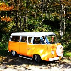 Vw - bus - van - bulli - orange - brought to you by agents at Eugene Volkswagen Transporter, Volkswagen Bus, Vw T1, Vw Pickup, Vw Vintage, Combi Vw, Bus Camper, Air Ride, Cute Cars