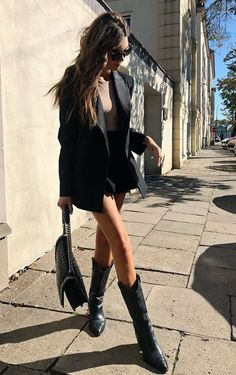 ✨Botas Would You Like Paper Or Plastic? With the move to get rid of our excess waste and the worlds Cowboy Boot Outfits, Dresses With Cowboy Boots, Black Cowboy Boots, Western Boots, Summer Boots Outfit, Black Boots Outfit, Casual Dress Outfits, Summer Dress Outfits, Fashion Outfits