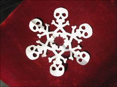 Skull and Cross-Bones Snow Flake Halloween Trees, Halloween Christmas, Fall Halloween, Halloween Crafts, Holiday Crafts, Halloween Decorations, Christmas Decorations, Dark Christmas, Christmas Time