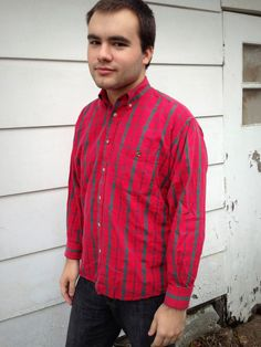 Vintage Duck Head Shirt in Great Vintage Condition     Red plaid     Tag Size: M     Chest Measured Across: 22.5 Inches     Length: 26 Inches     Shoulder to Shoulder: 19 Inches     Sleeve Length: 20 Inches    $8.50
