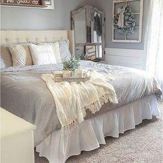 60 Rustic Farmhouse Style Master Bedroom Ideas 25