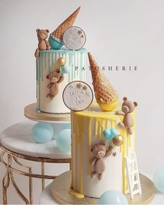 It's double trouble, double fun and of course double the sweet things in life! Our cheeky bears cakes were made for adorable twins celebrating their second birthday! Birthday Drip Cake, 1st Birthday Cake For Girls, Boys 1st Birthday Cake, Special Birthday Cakes, Birthday Party Snacks, Torta Baby Shower, Pregnant Belly Cakes, Cake Topper Tutorial, Baby Boy Cakes