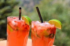 Each time a decanter of booze is sensing overweight within the doggy times of summer months, look to the minty wholesomeness of a refreshing mojito to save the day. Cocktail Illustration, Most Popular Cocktails, Virgin Mojito, Mojito Recipe, Hot Sauce Bottles, Rum, Strawberry, Healthy Eating, Stuffed Peppers