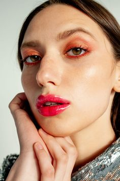 Say hello and hallelujah to spring and try three makeup looks that are as colorful as your personality and ipso facto your entire LIFE! Green Eyeshadow, Eyeshadow Primer, Eyeshadow Brushes, Sheer Lipstick, Liquid Lipstick, Contour Makeup, Eye Makeup, Contouring, White Eye Pencil