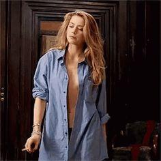 "tanjonathans: """"Amber Heard as Nicola Six in London Fields "" "" Amber Heard Tumblr, Amber Heard Gif, Amber Heard Style, Amber Heard Movies, Amber Heard Bikini, Walking Gif, Amber Head, London Fields, Foto Gif"