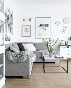 The Scandinavian living room design ideas can deliver a sense of clean and tidy to your house. The design focuses on the calm and clean atmosphere of the room. There are many Scandinavian living room designs you can try to… Continue Reading → Scandinavian Interior Living Room, Interior Design Living Room, Scandinavian Furniture, Scandinavian Design, Nordic Interior, Design Interiors, Bedroom Furniture Design, Living Room Furniture, Furniture Stores