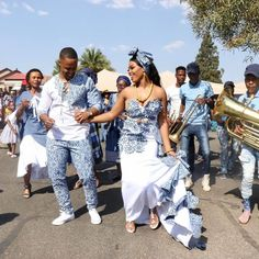 South African Traditional Dresses, African Traditional Wedding Dress, Traditional Wedding Attire, African Wedding Dress, African Fashion Skirts, African Outfits, African Attire, Zulu Wedding, Shweshwe Dresses
