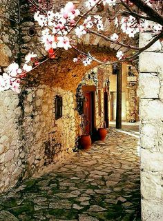 Alley in Armolia, a medieval village in Chios island, North Aegean Sea, Greece Places To Travel, Places To See, Wonderful Places, Beautiful Places, Chios Greece, Greece Islands, Crete Island, Beautiful Buildings, Greece Travel