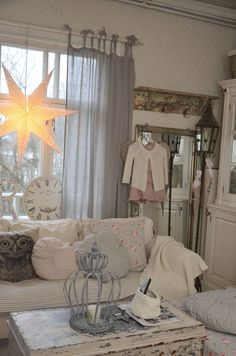 <3 Dining Rooms, Christmas Time, Bathrooms, Kitchens, Shabby Chic, Villa, Farmhouse, Decorating, Inspiration