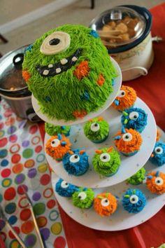 Les enfants adorent les gâteaux en forme de monstres et vous pourriez trouver votre inspiration à travers la série d'idées qui suit. Impressionnez les en leur faisant plaisir......