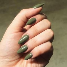 Olive green almond shaped acrylic nails #simplenaildesigns #AcrylicNailsGlitter Almond Acrylic Nails, Almond Shape Nails, Best Acrylic Nails, Summer Acrylic Nails, Almond Nails, Matte Nails, Acrylic Nails Green, Nails Shape, Olive Nails
