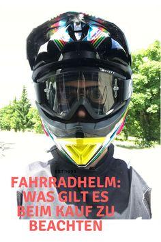Auf radfamilie.de geht es darum, was man beim Kauf eines Fahrradhelms beachten sollte.