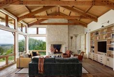 Breathtaking Gridiron Ranch in the Texas Hill Country