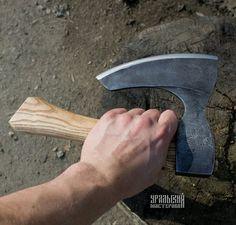 Axe for cutting bones and meat. For camping, a Gift to a real man. Blade City, Mens Toys, Camping Gifts, Welding Projects, Welding Art, Knives And Swords, Knife Making, Leather Cover, Blacksmithing