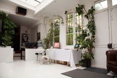 Dorothys gallery salon location