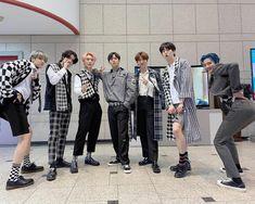 Pentagon Members, Asian Actors, Cube, Boys, Girls, Pentagon Hongseok, Kpop, Group Photos, Twitter